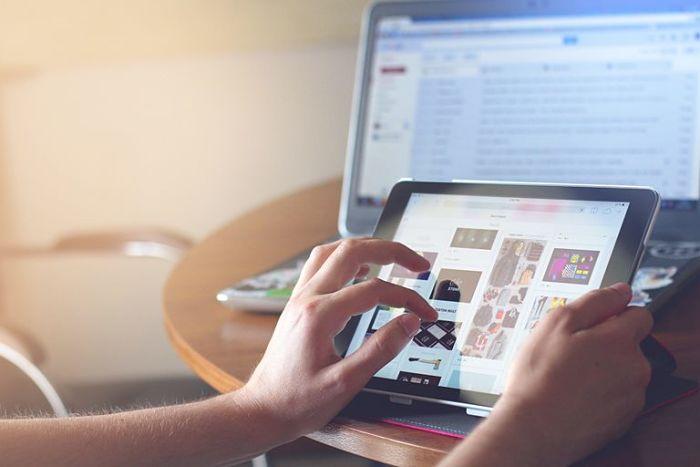 Descubre cómo mejorar la experiencia de usuario online en un entorno digital multidispositivo